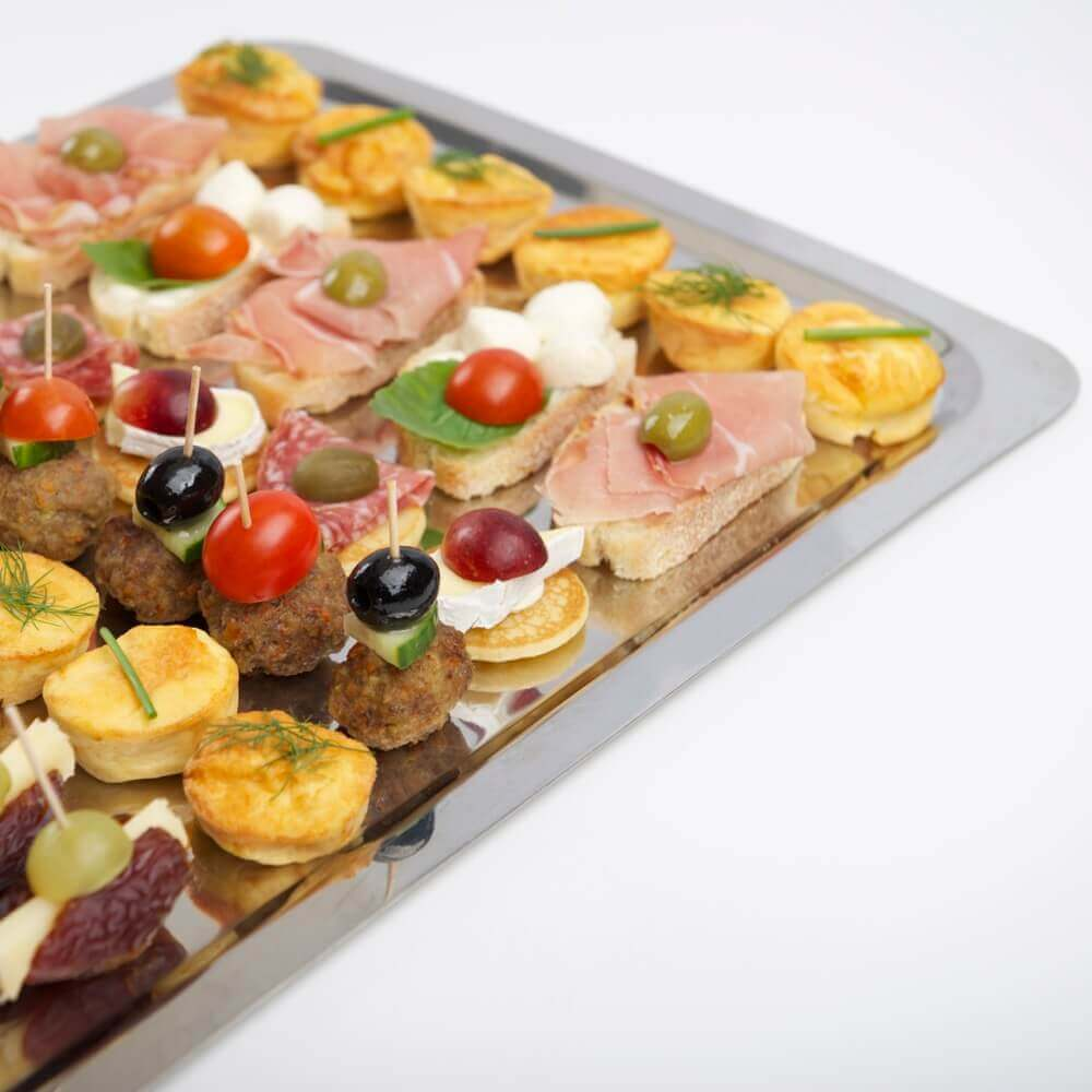 Gemischtes Tablett mit Fingerfood