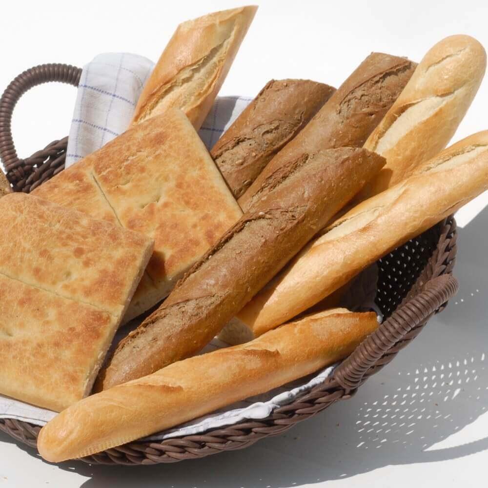 Brotkorb mit einer Auswahl unserer Brotsorten