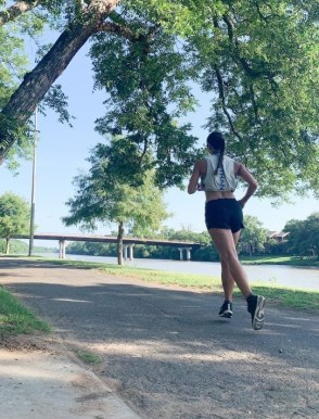 tips for summer running, tips for running in heat and humidity, summer running, tips for fueling during runs, tips for fueling runs
