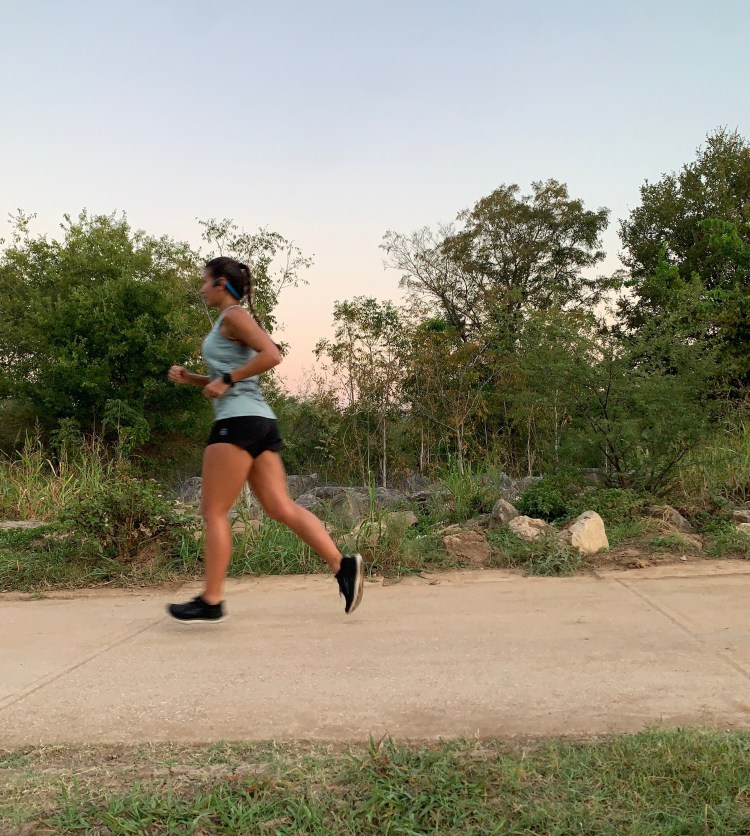 running in the dark, staying safe while running in the dark, staying safe while running, staying safe while running alone, tips for running in the dark, safety tips for running in the dark, lights for running in the dark, gear for running in the dark