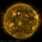 Nueva llamarada solar en la madrugada dirige tormenta geomagnética a la tierra