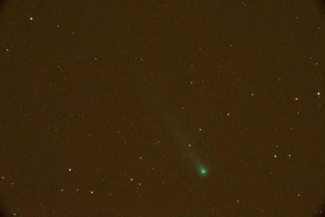 Foto de Glen Wurden hoy 10 de noviembre 2013 desde Los Alamos, New Mexico, USA. Se usó una Nikon D600, 600 mm lens@f5.6, utilizando un multiplicador 3x, 88 segundos de exposición, ISO 6400
