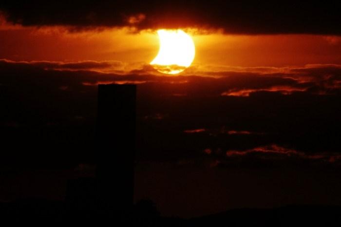 Si no pudistes ver la transmisión del eclipse solar de hoy, acá algunas imágenes desde Australia