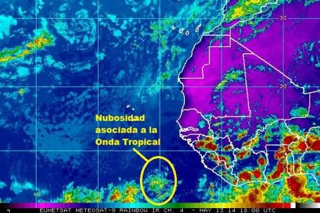 Imagen infrarroja. Nubosidad asociada y ubicación de la Onda Tropical