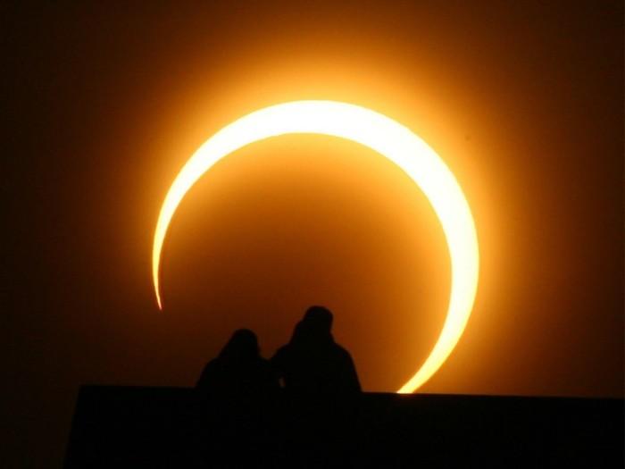 A unas horas del último eclipse solar del año ¿Sabes desde dónde podrán verlo?
