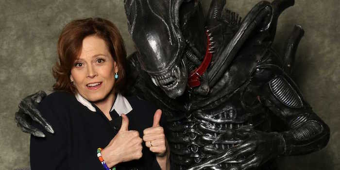 alien movie sigourney weaver poses with thumbs up