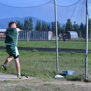 Isaac Cordes lets the discus fly. Photo by Laurelle Walsh