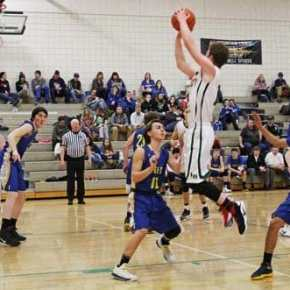 Liberty Bell boys have tough week against league contenders Manson, Tonasket
