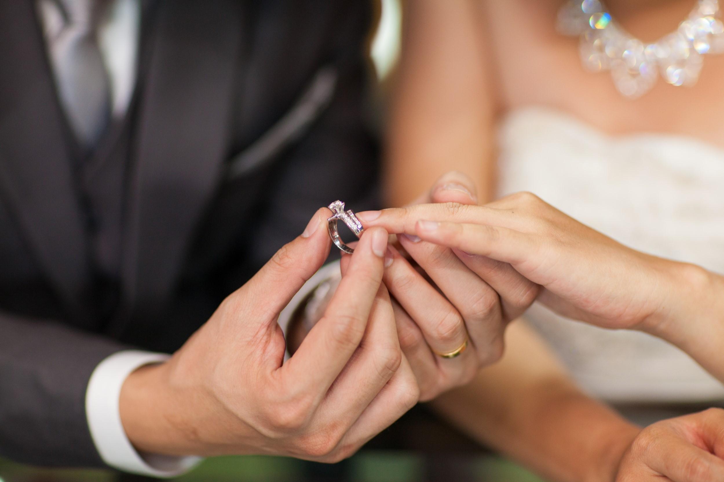 WEDDING MOMENT CLASSIC RING EXCHANGE 004992 (Custom)