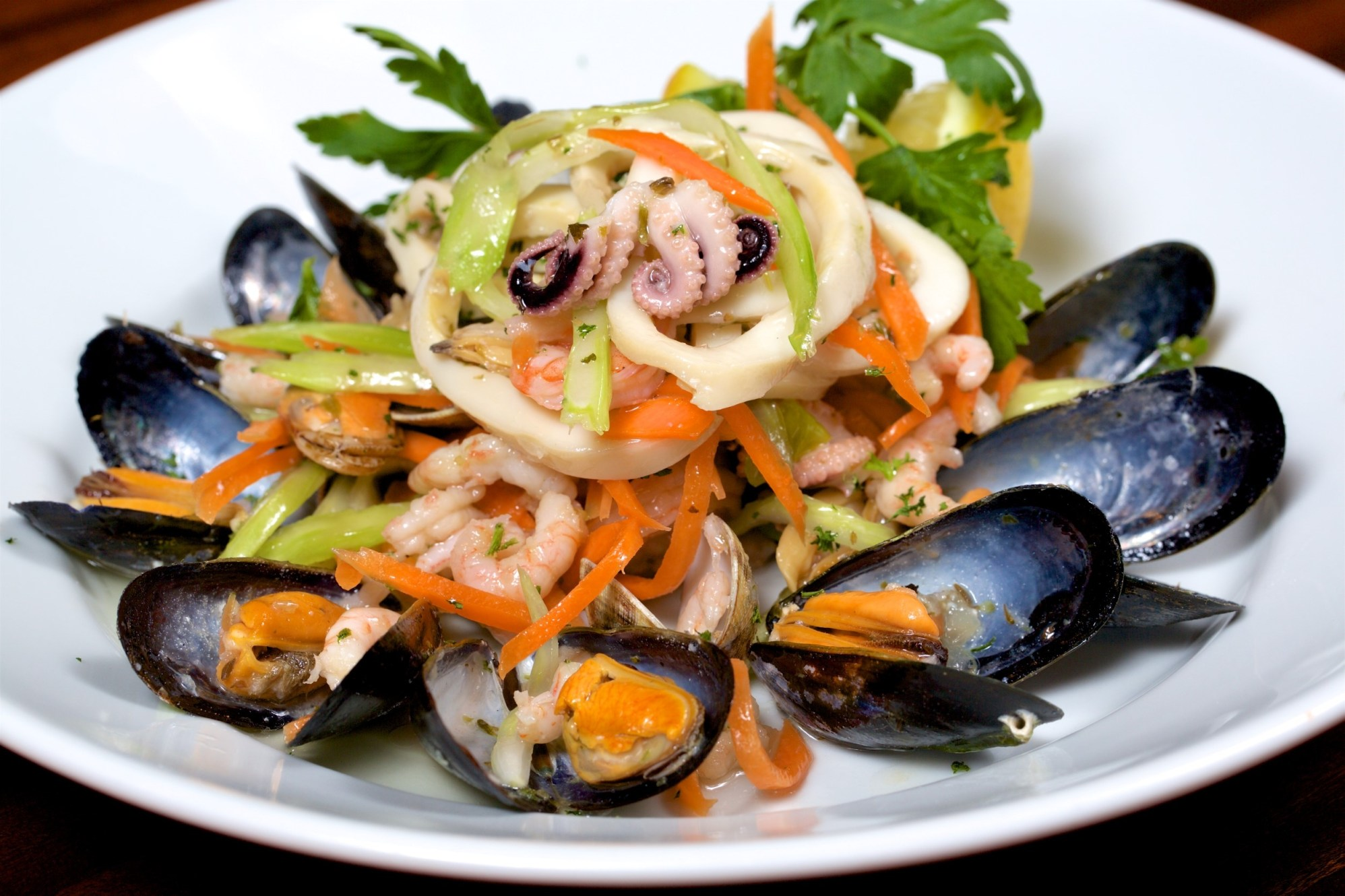 122 ITALIAN FINEST CUISINE (4) FISH SALMON MUSSELS AND LOBSTERS 008754 (Custom)