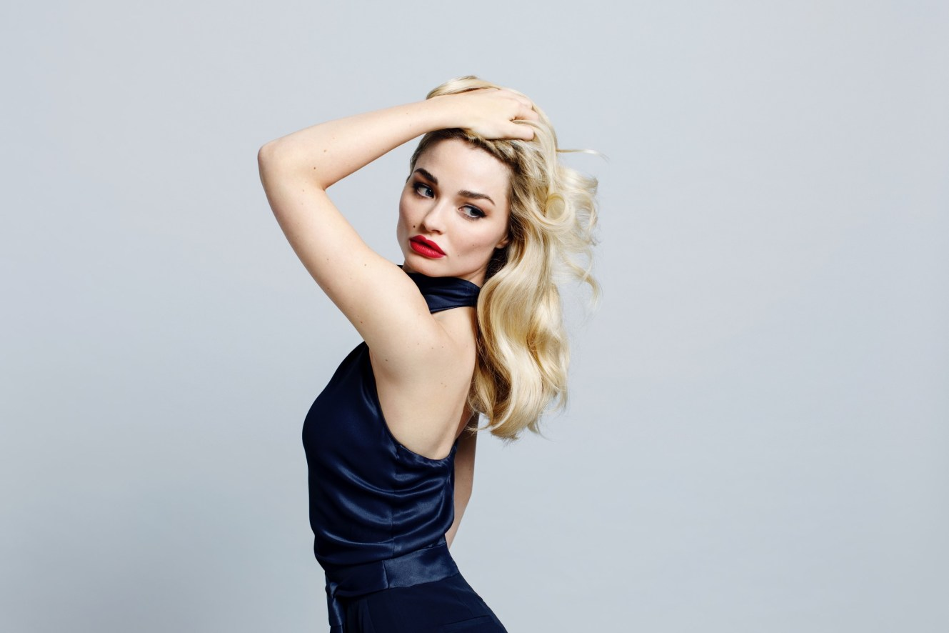 104 EMMA RIGBY HOLLYWOOD NEWS 008251 (Custom)