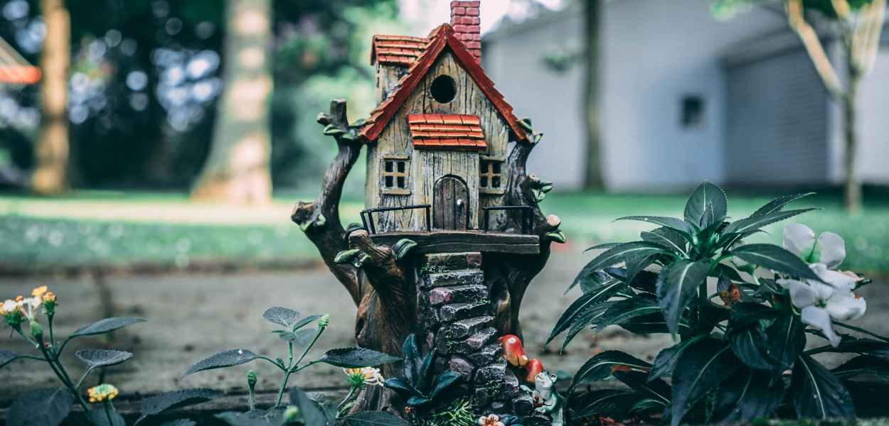 brown and red birdhouse