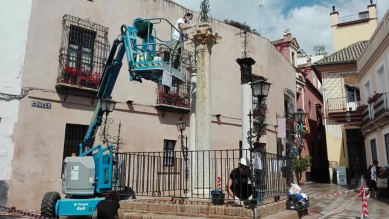 El Ayuntamiento de Sevilla destina 60.000 euros a la limpieza de pintadas y grafitis en esculturas