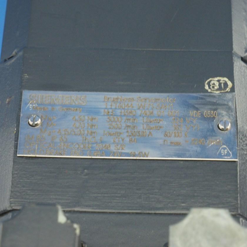 SM00461 (5).JPG