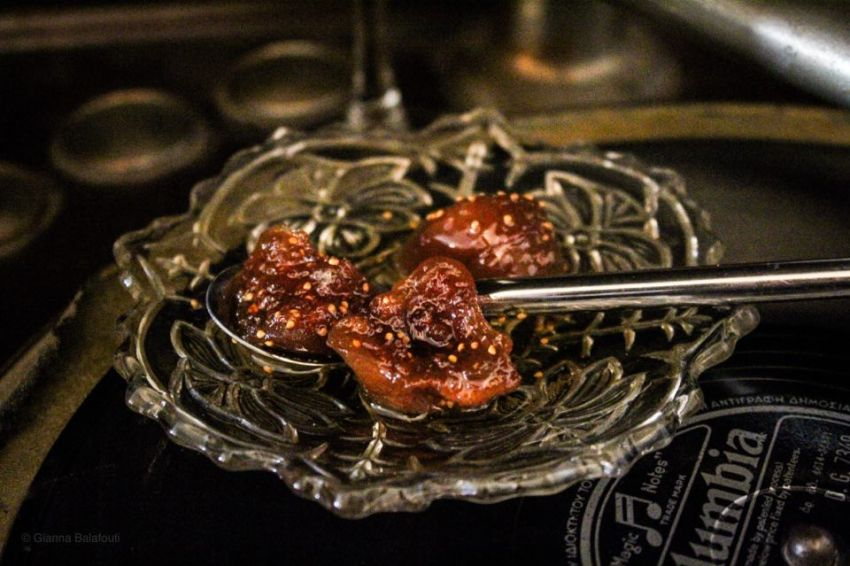 You are currently viewing How to make fig thick jam out of dried figs