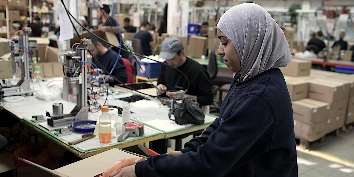 مواصلات بدل الأرض.. فلسطينيّات الداخل في سوق العمل