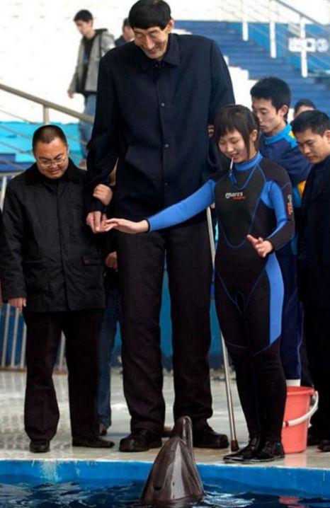 world's tallest man Bao Xishun