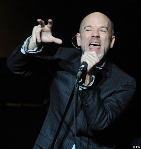 Michael Stipe 'snagged' in toilet photos