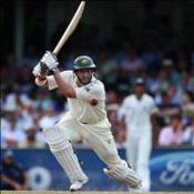 Hussey ton gives Aussies advantage