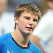 Arshavin completes Arsenal switch