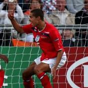 Rodwell hits right tone for Pearce