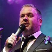 DJ Moyles breaks Blackburn's record