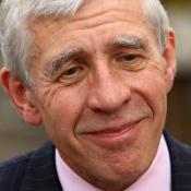 Justice secretary Jack Straw has pledged support for murder victims' families.