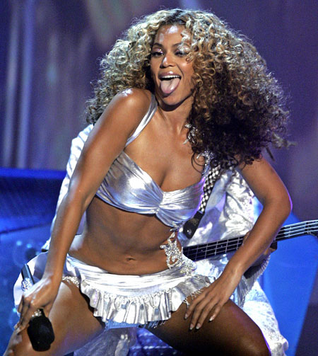 Beyonce to put in Gaga showing at MTV show in Berlin