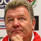 Toshack vows to battle on