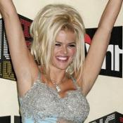 Anna Nicole Smith kissed her doctor, it was revealed in court