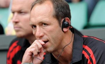 Venter charged over ref comments