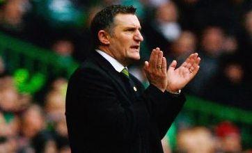 Stoke striker Kitson eyes Celtic loan