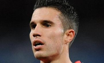 Wenger plays down Van Persie expectations