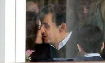Nicolas Sarkozy and Carla Bruni smooch in New York