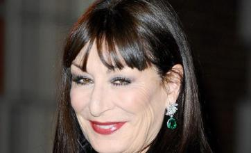 Anjelica to celebrate Huston legacy