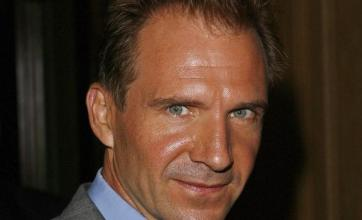 Ralph Fiennes to direct Coriolanus