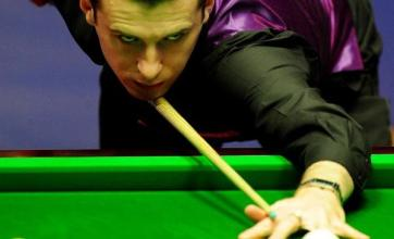 Selby surges clear