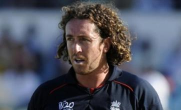 Ryan Sidebottom shines as England near World Twenty20 semi-finals