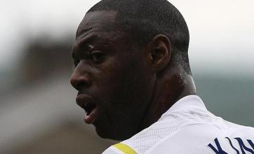 Ledley King signs new Spurs contract