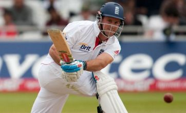Strauss steers England to test win over Bangladesh