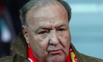 Benitez will get transfer funds – Hicks