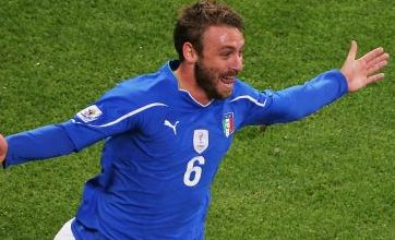 Daniele De Rossi rescues draw for Italy against Paraguay