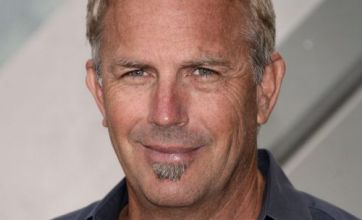 BP oil spill: Kevin Costner steps in to save Gulf with hi-tech machines