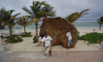 Tropical storm Alex threatens tourist spots in Mexico and Belize