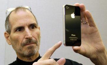 iPhone 4: Steve Jobs email hints at reception bug fix