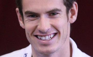 Fans question Murray court 'snub'