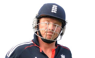 Andrew Strauss: I gambled with Ian Bell's broken foot against Bangladesh