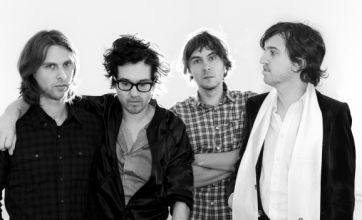 Phoenix conquer Field Day with bright and breezy set