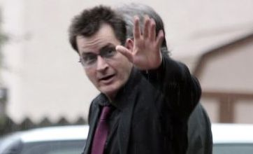 Charlie Sheen agrees to rehab deal