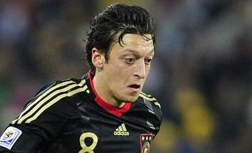 Mesut Ozil 'will make Chelsea or Man United transfer', Bremen confirm